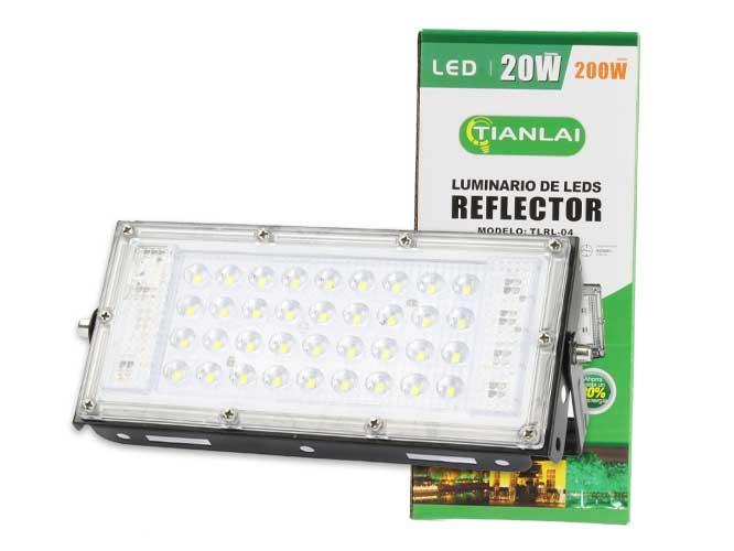 Ilumina tu espacio con el reflector LED alta eficiencia, fácil instalación, alta disipación del calor, alta resistencia a climas extremos, diseño rectangular; ahorra energía, ofreciendo excelente iluminación, alto brillo y bajo consumo. Instálalo en el lugar de tu preferencia; ideal para interiores y exteriores.