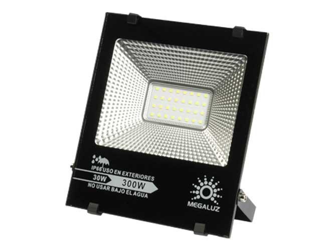reflector megaluz r16w30s18, 30w, ilumina 300w, 2250lm, proteccion ip66, facil de instalar